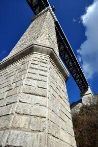 Pohled na pilíř